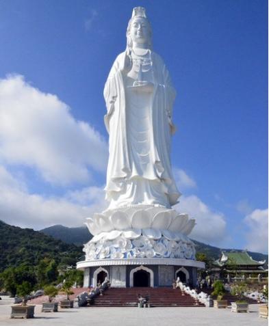 Tượng phật Quan Thế Âm chùa Linh Ứng