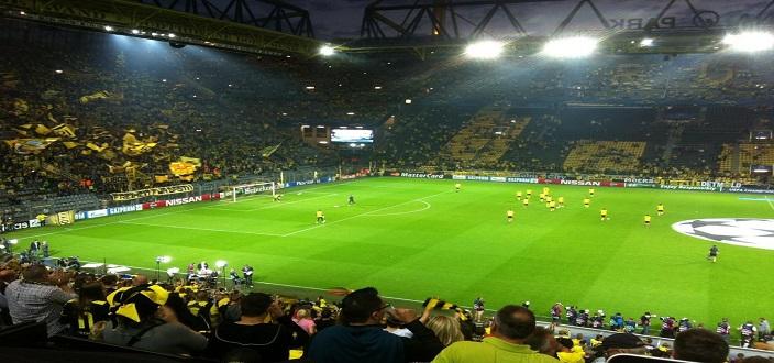 Asernal thua đau Dortmund tại C1