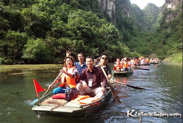 Mua tour du lịch đi Chùa hương 1 ngày giá rẻ nhất