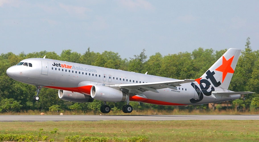 Mua vé máy bay Jetstar Pleiku đi Sài Gòn giá rẻ