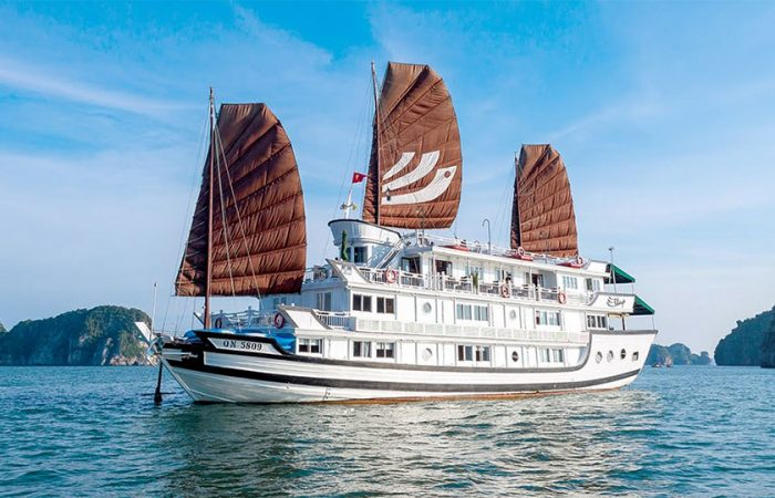 Classic Halong bay cruise 2 days, lowest cost