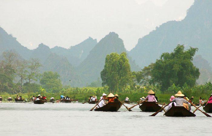 Tour du lịch đi Chùa Hương giá rẻ